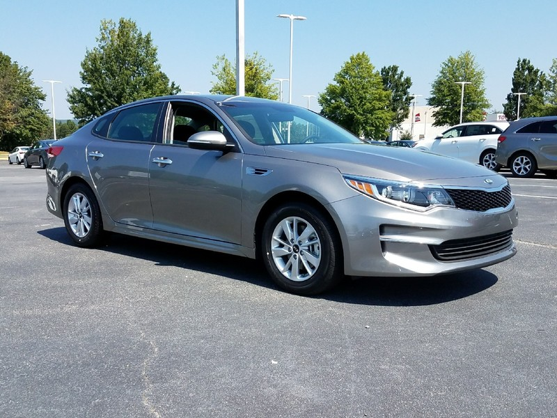 New 2018 KIA OPTIMA LX AUTO